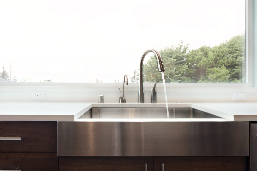 Bellingham general contractor kitchen remodel with farmhouse sink with bayviews