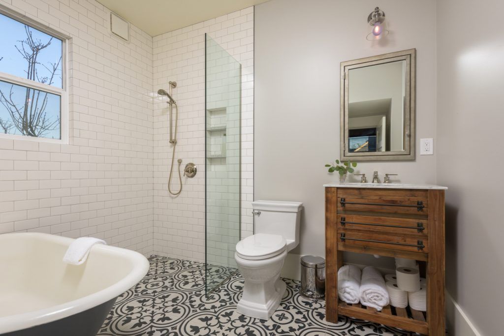 General contractor custom bathroom Bellingham