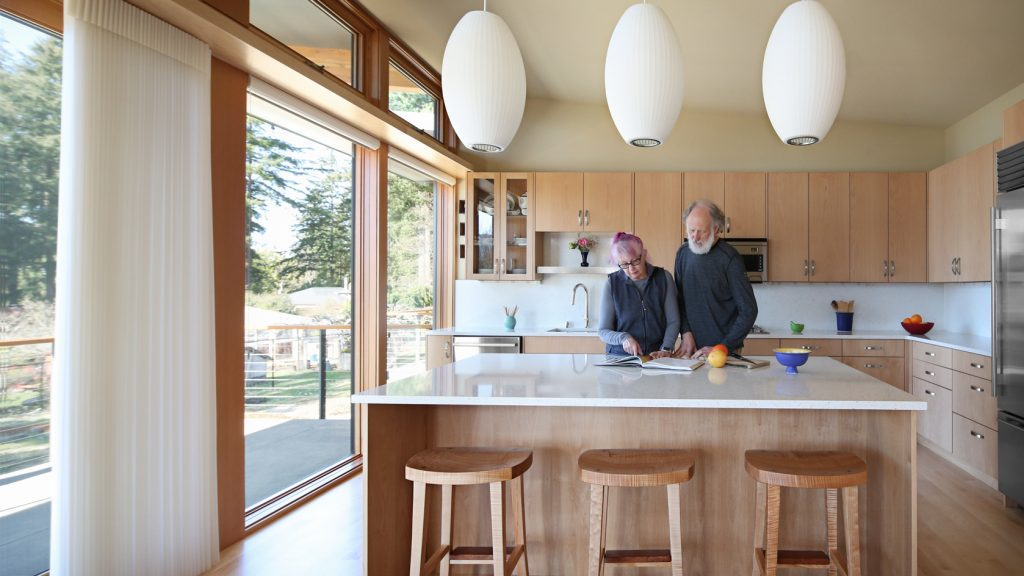 Bellingham Stillwater Dwelling home with Smith and Vallee cabinets